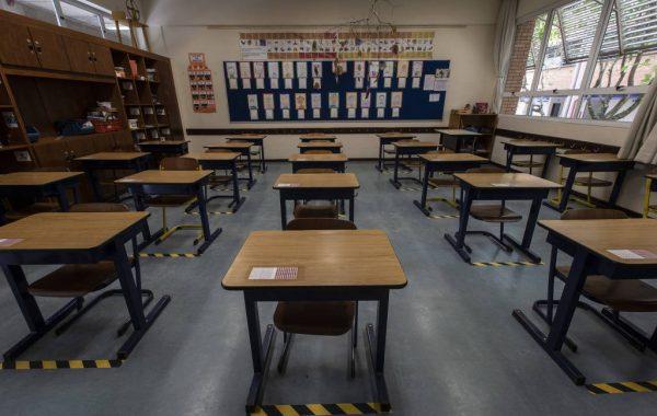 Sindicato quer priorizar vacina contra a Covid-19 em professor para volta às aulas em SP