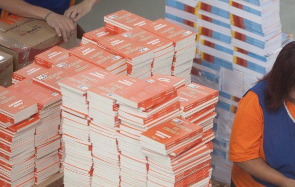 Em ação inédita, Educação SP distribui mais de 628 mil livros para alunos dos cursos de Educação de Jovens e Adultos